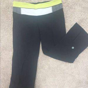 Lululemon Capri length workout pants.